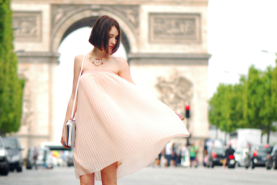 plisowana-sukienka