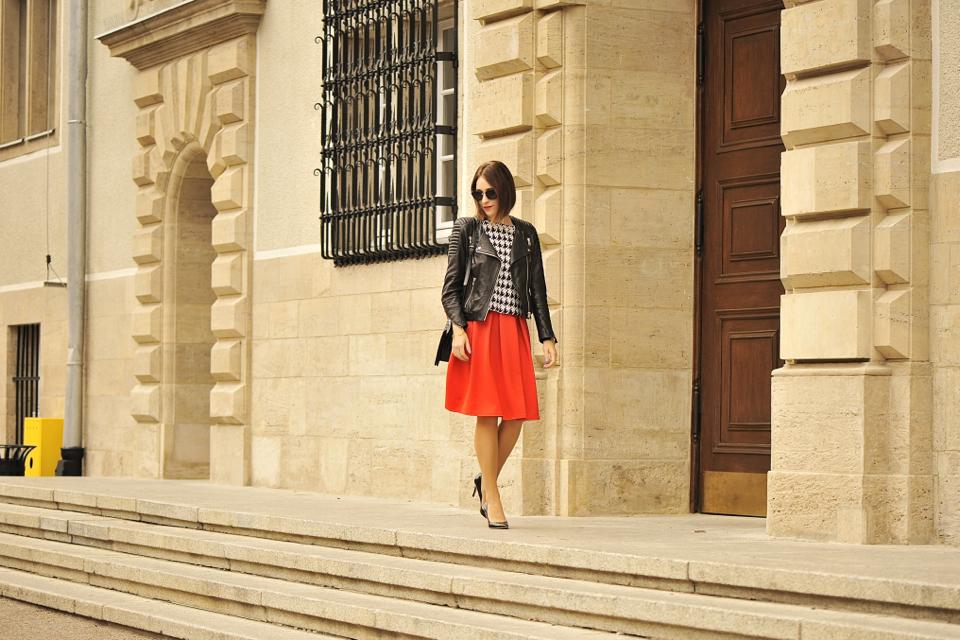 czerwona-spódnica-stylizacja