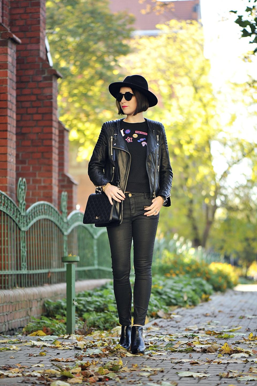ładni-ludzie-ubierają-się-na-czarno