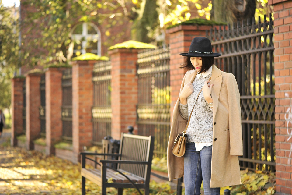 beżowy-płaszcz-stylizacja