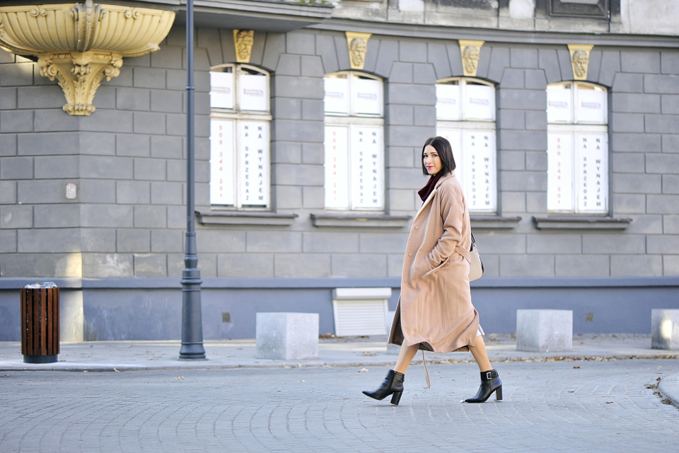 szlafrokowy płaszcz stylizacja