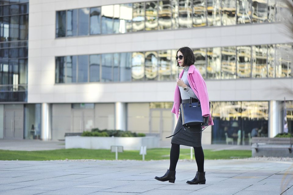 pink-coat-street-fashion