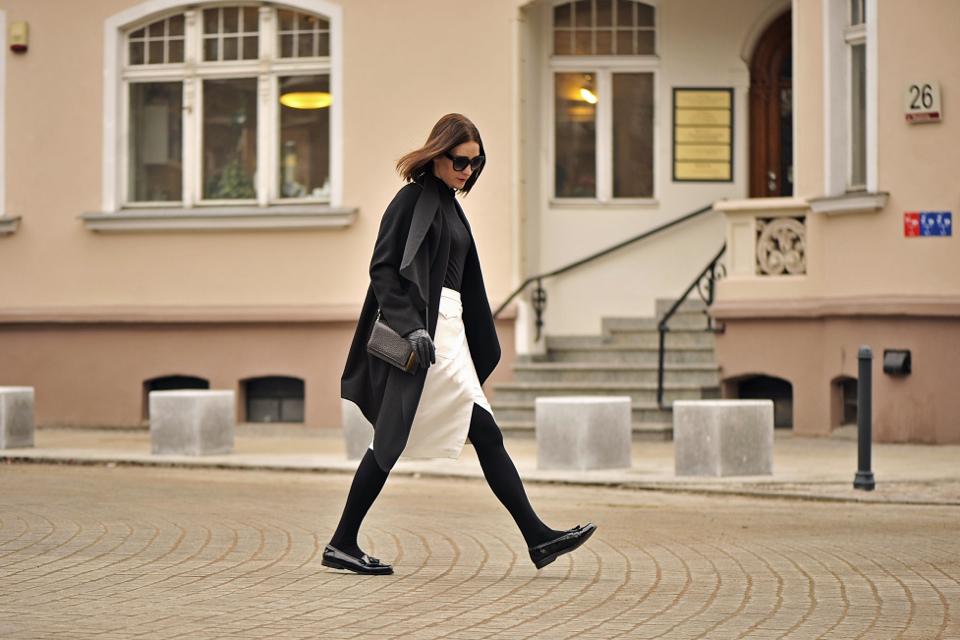 asymetryczny płaszcz stylizacja