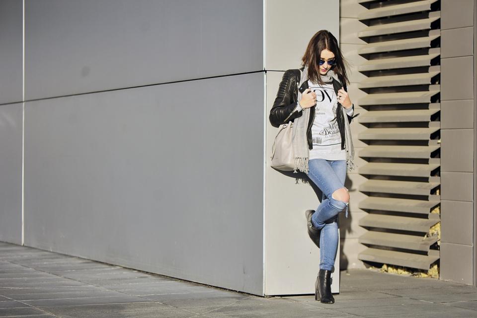 podarte-jeansy-stylizacja-stylizacja