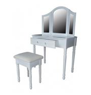 biały-stolik-ozdobny