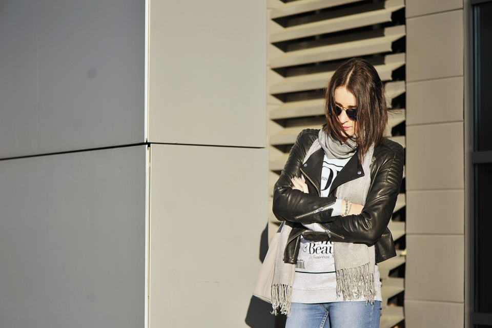podarte-jeansy-stylizacja