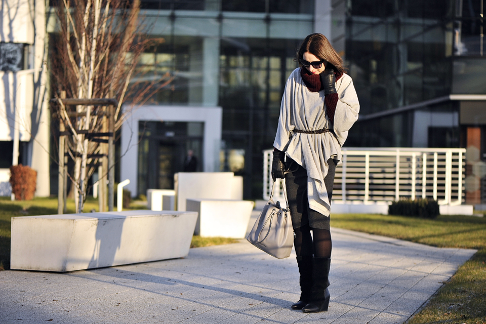 grey-poncho-outfit