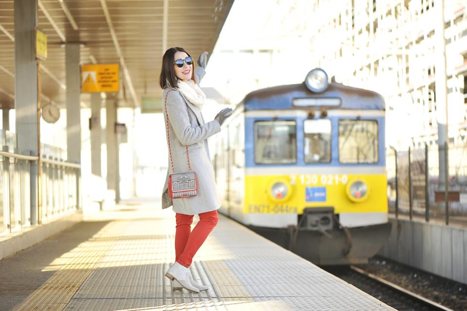 czerwone-spodnie-stylizacja