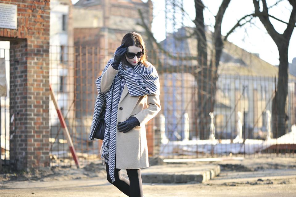 camel-coat-street-fashion