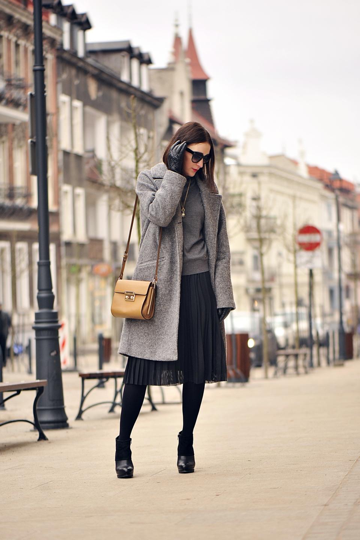 plisowana-spódnica-do-czego-nosić