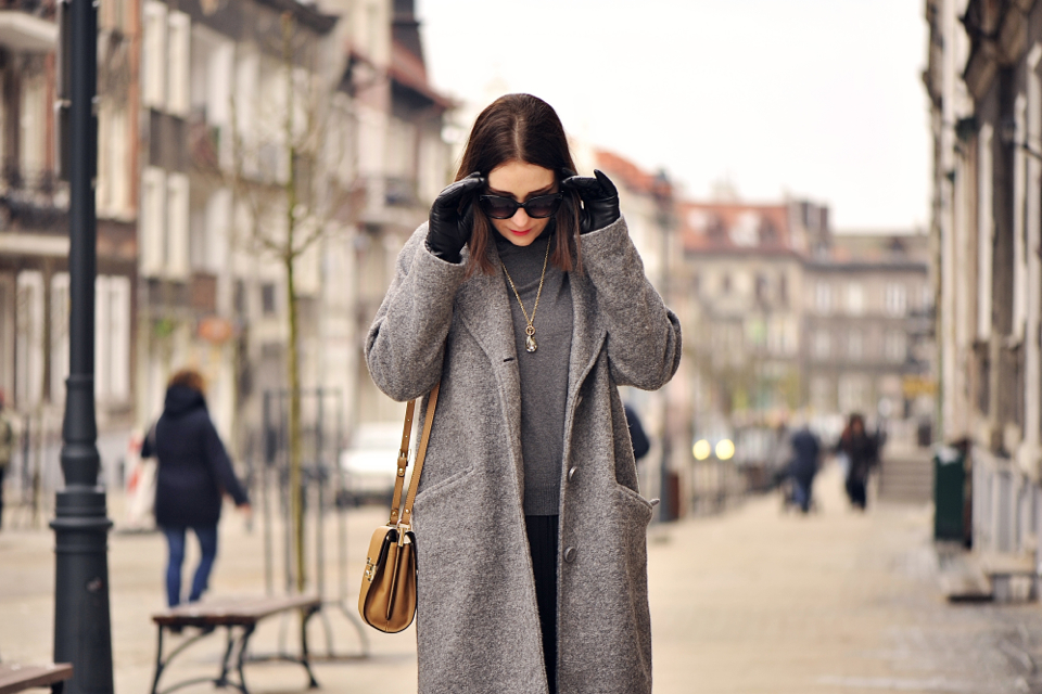 grey-coat-street-fashion