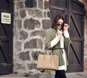 sweter-khaki-stylizacja