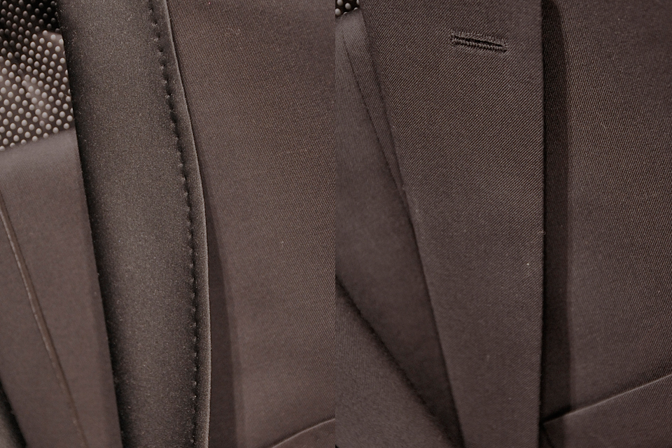 różnice-pomiędzy-smokingiem-a-klasycznym-garniturem