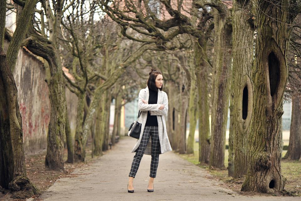 płaszcz-w-kratę-stylizacja