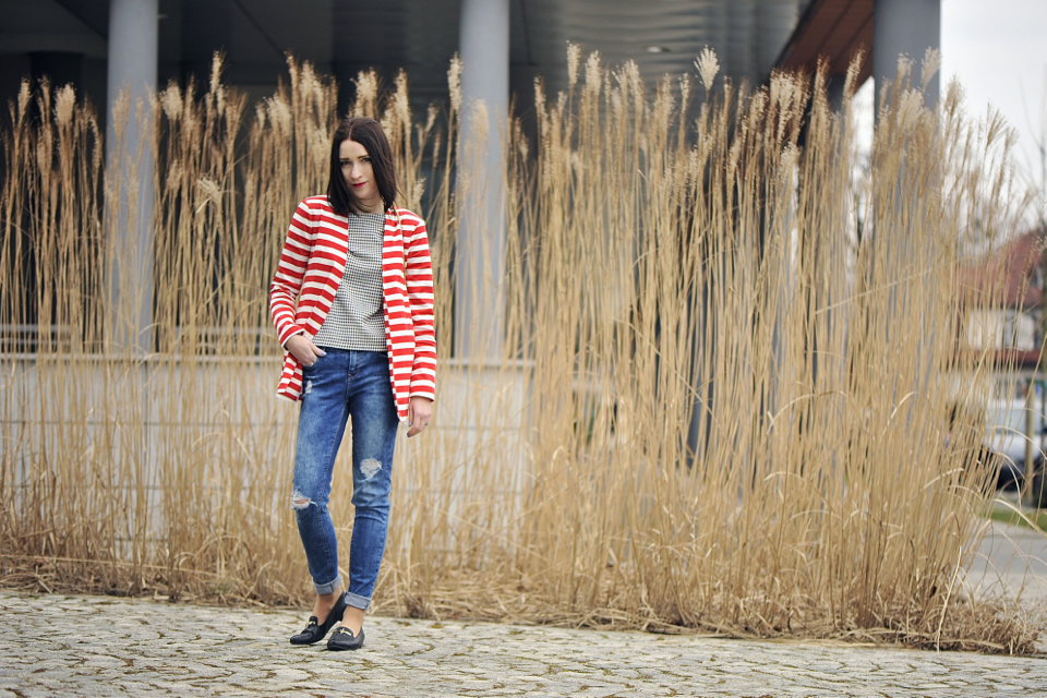 striped-jacket-street-fashion