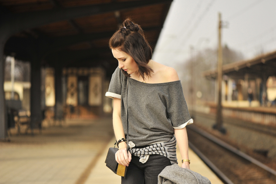 grey-blouse-outfit