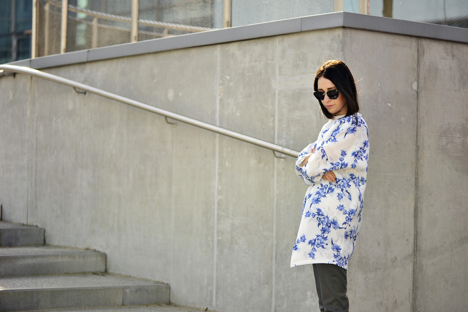 coat-floral-print-street-fashion