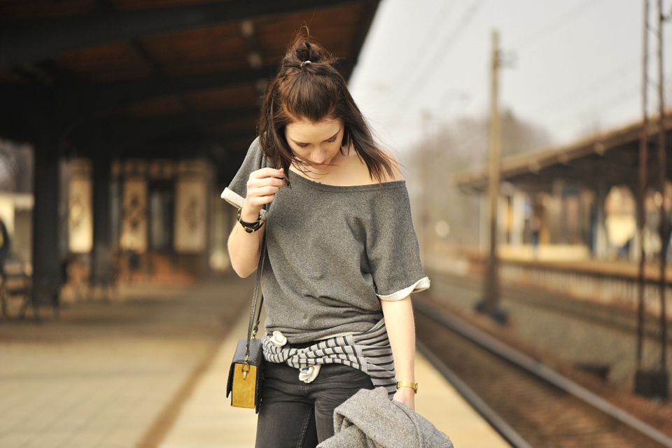 grey-outfit-street-fashion