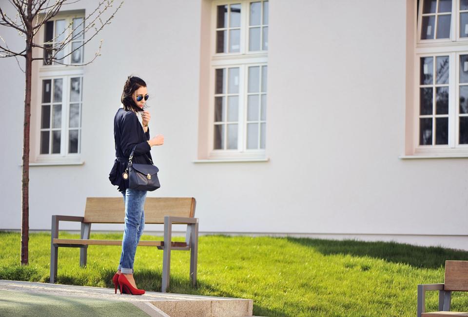 -czerwone-szpilki-do-czego-nosić