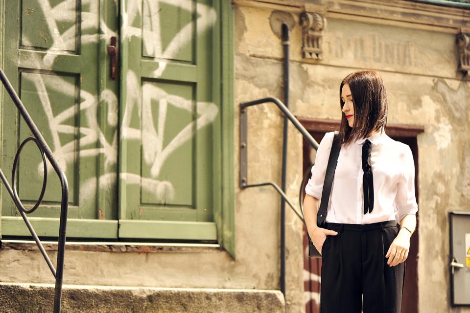 biała-koszula-stylizacja