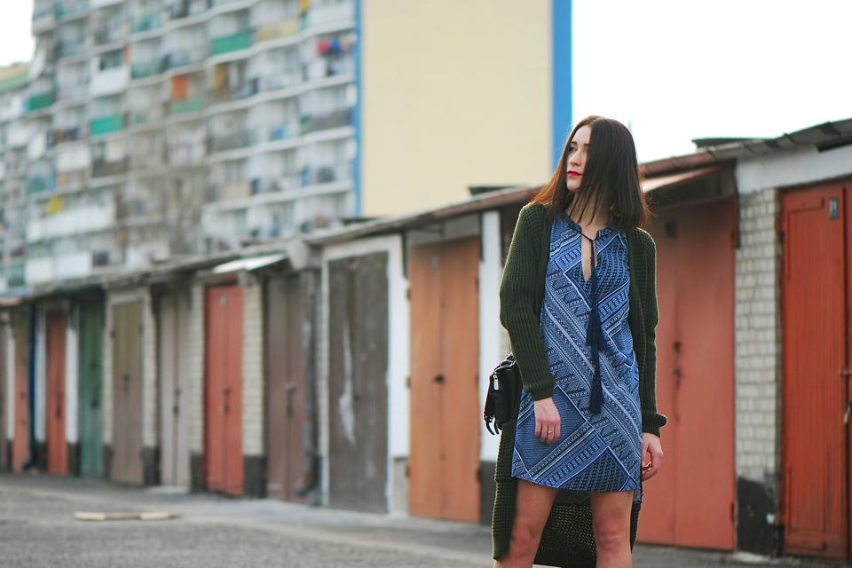 niebieska-tunika-stylizacja