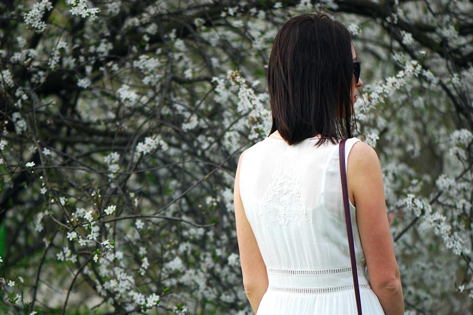 haftowana-sukienka