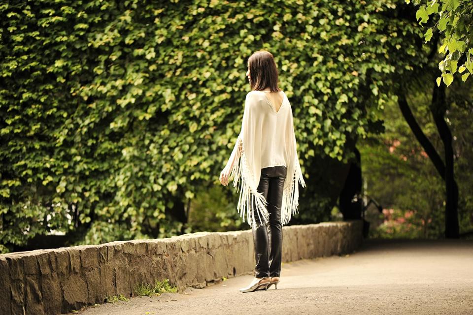 bluzka-z-frędzlami