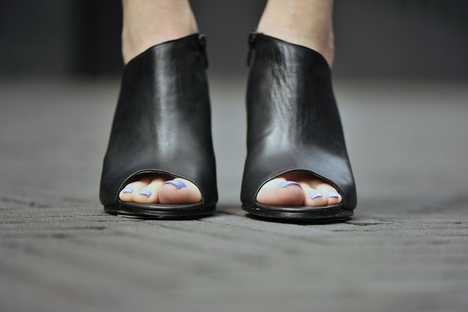 buty-z-odkrytymi-palcami