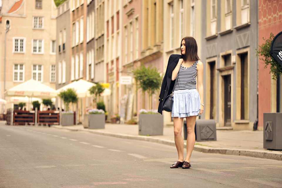 krótka-spódniczka-do-czego-nosić