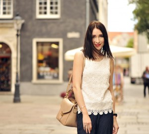 lace-blouse-street-fashion