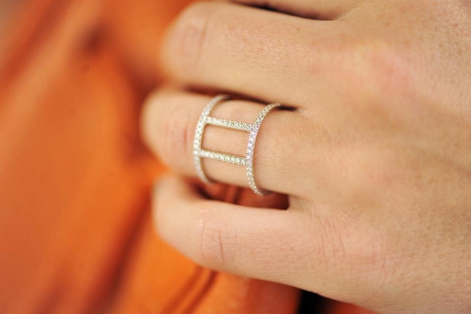 apart-pierścionek