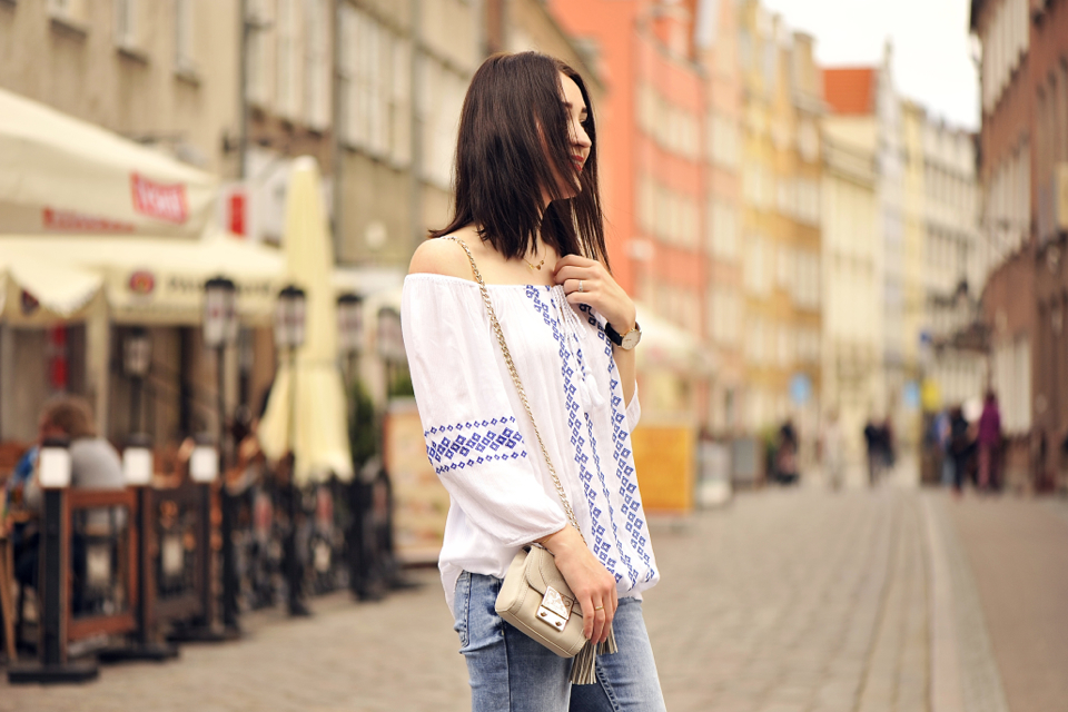 bare-shoulders-street-fashion