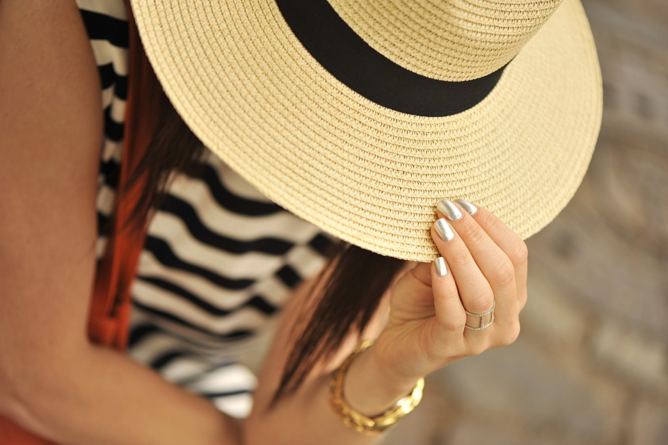 straw-hat-outfit
