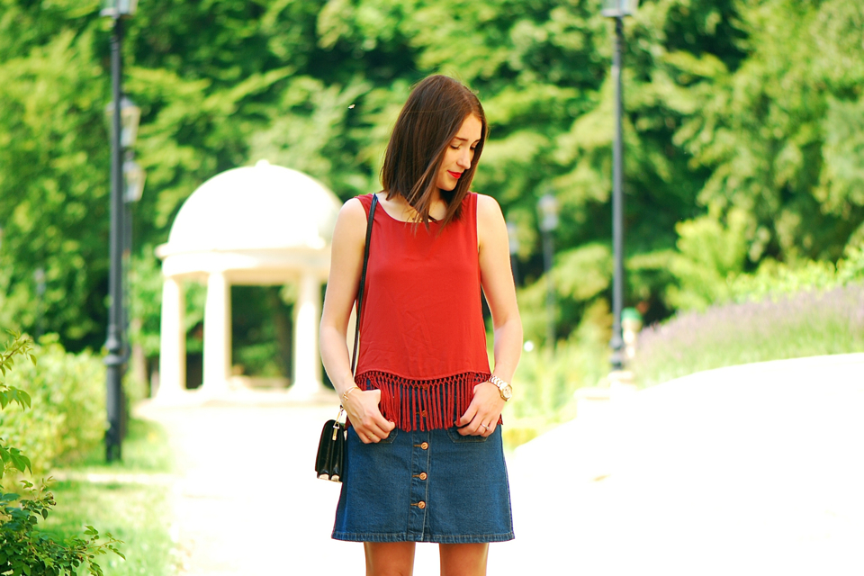 a-button-front-skirt-street-fashion