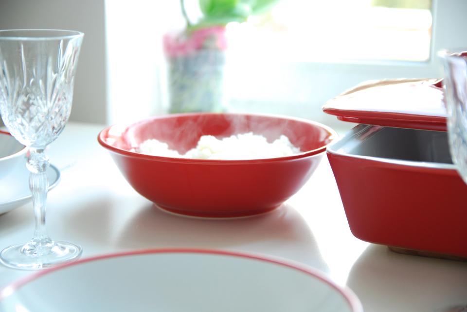 czerwona-zastawa-stołowa