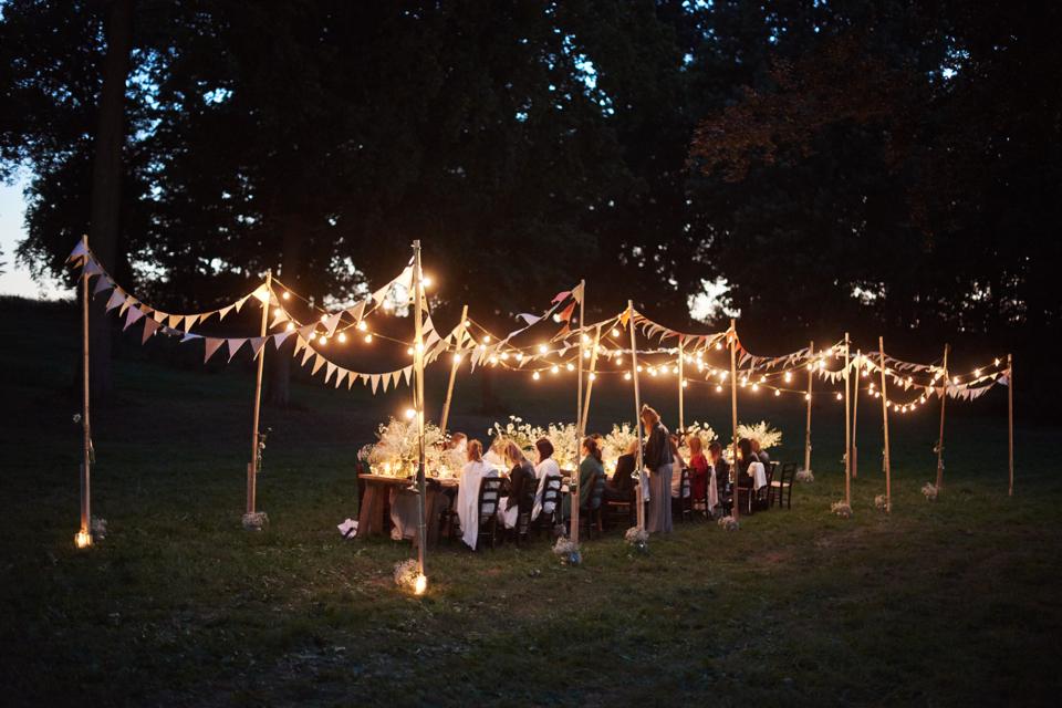 romantyczna-kolacja-na-łonie-natury