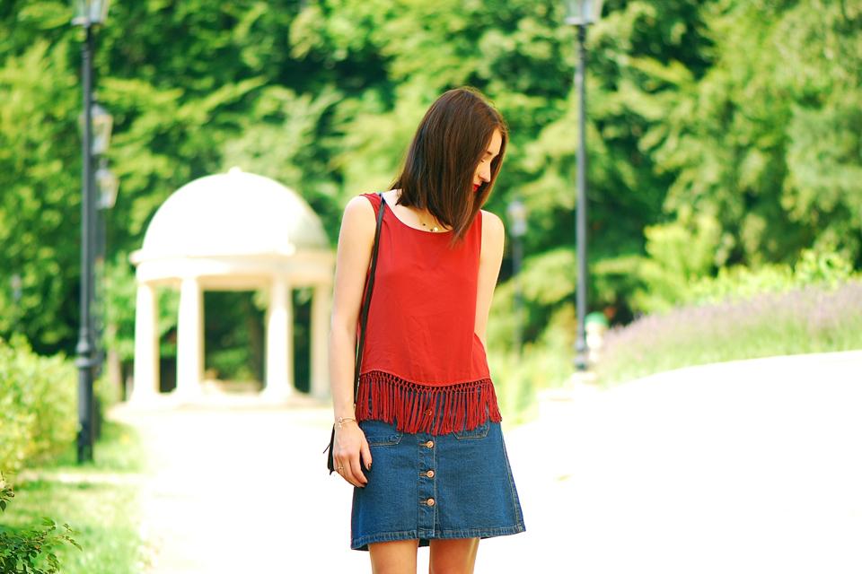 a-line-button-skirt-street-style