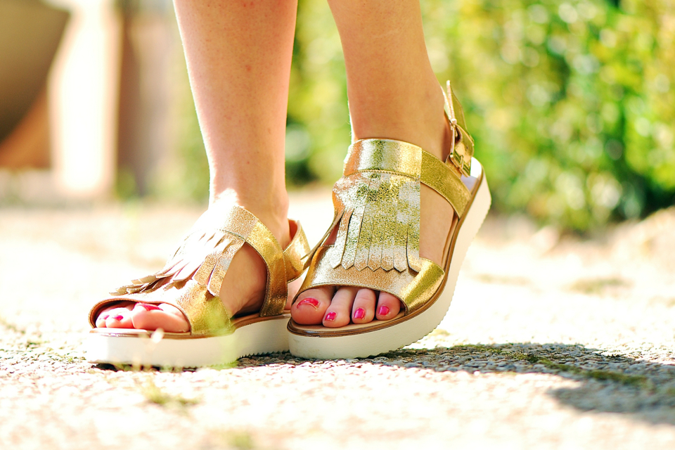 buty-z-frędzlami