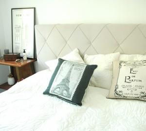 sypialnia-białe-ściany