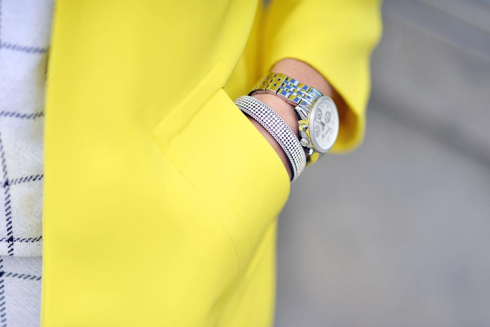 żółty-płaszcz