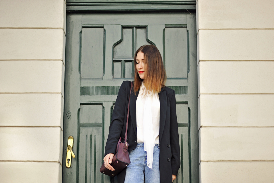 bow-blouse-street-style
