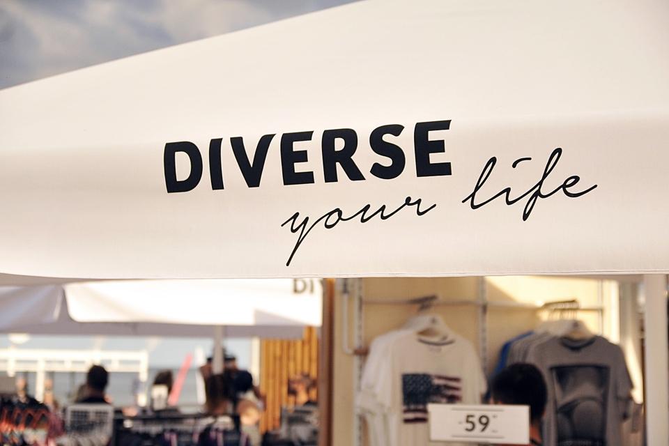 shiny-syl-dla-diverse-summer-pop-up-store