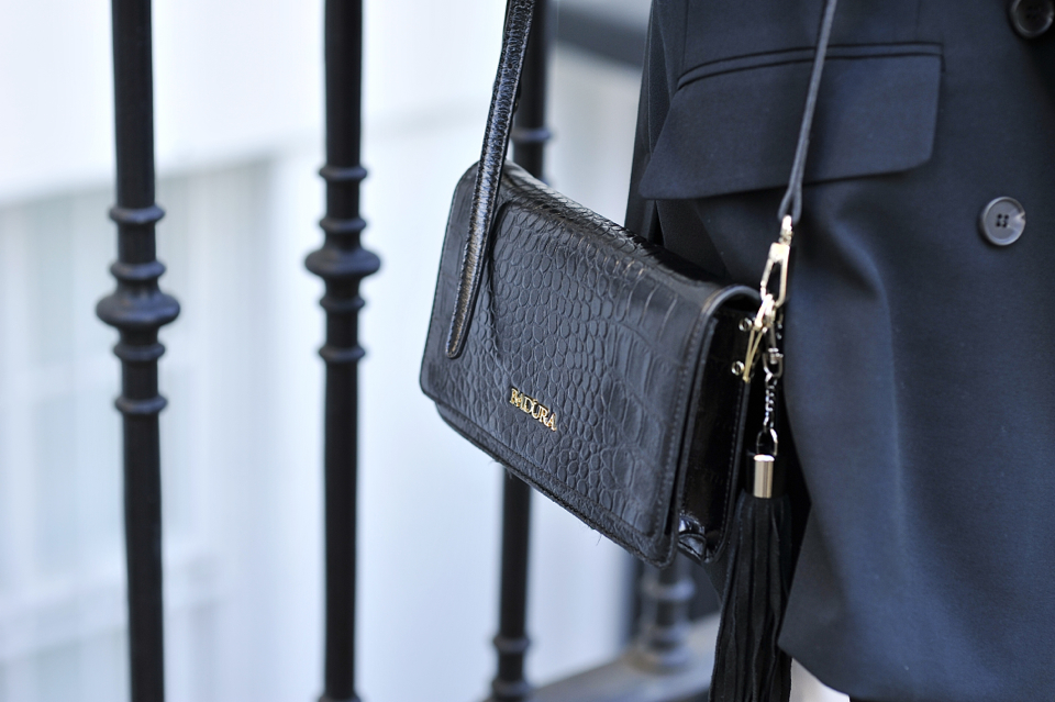 black-bag-with-fringe
