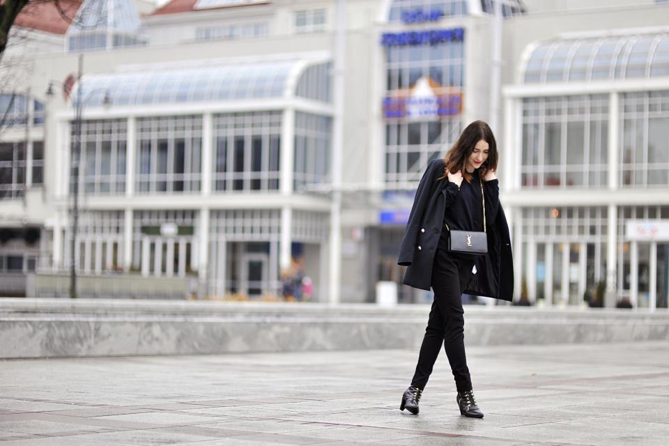 czarne-ubrania-stylizacja