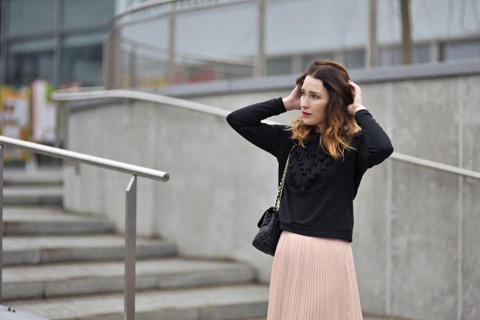 plisowana spódnica jak nosić