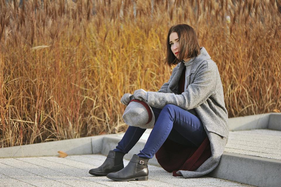 -długi-sweter-jak-nosić
