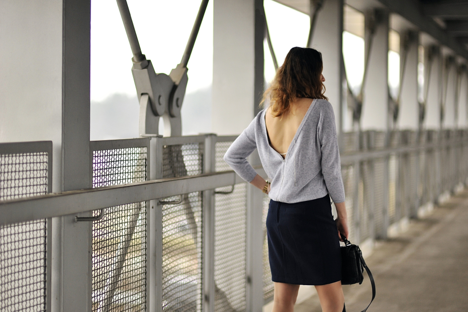 bluzka-z-dekoltem-na-plecach-stylizacja