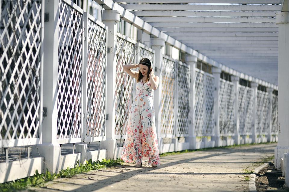 floral-print-dress-street-style