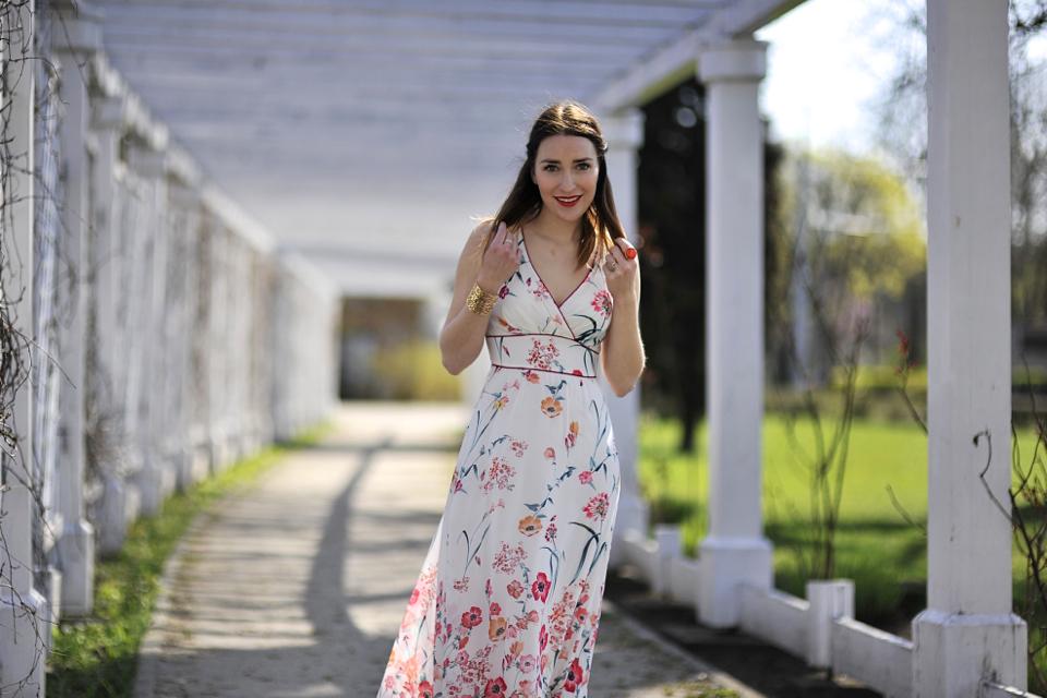 długa-sukienka-jak-nosić