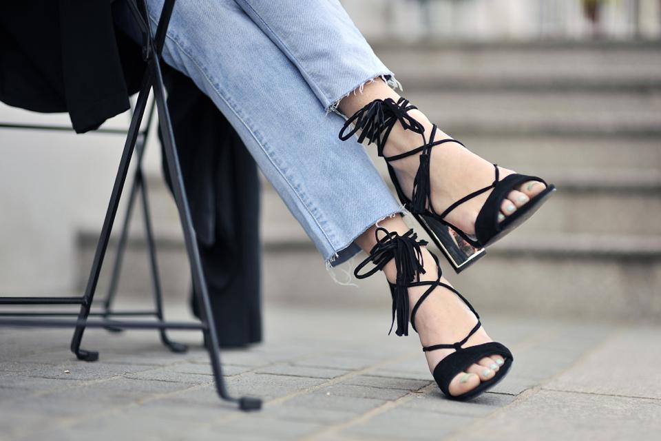 buty-z-frędzlami-stylizacja